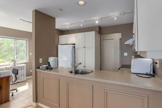"""Photo 9: 206 7620 COLUMBIA Street in Vancouver: Marpole Condo for sale in """"The Springs at Langara"""" (Vancouver West)  : MLS®# R2283059"""
