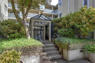 """Photo 2: 206 7620 COLUMBIA Street in Vancouver: Marpole Condo for sale in """"The Springs at Langara"""" (Vancouver West)  : MLS®# R2283059"""