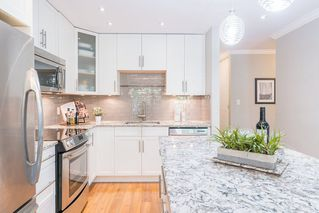 "Photo 1: 204 2255 YORK Avenue in Vancouver: Kitsilano Condo for sale in ""Beach House"" (Vancouver West)  : MLS®# R2287429"