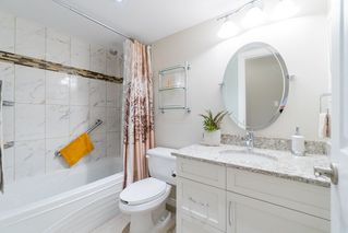 "Photo 15: 204 2255 YORK Avenue in Vancouver: Kitsilano Condo for sale in ""Beach House"" (Vancouver West)  : MLS®# R2287429"