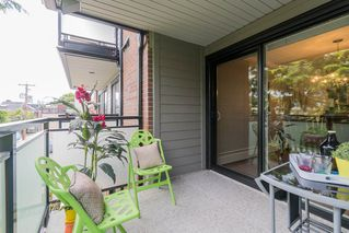 "Photo 9: 204 2255 YORK Avenue in Vancouver: Kitsilano Condo for sale in ""Beach House"" (Vancouver West)  : MLS®# R2287429"