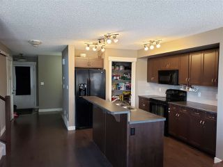 Photo 8: 3004 HARVEY Crescent in Edmonton: Zone 58 House Half Duplex for sale : MLS®# E4148670