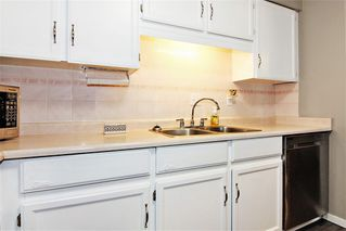 """Photo 10: 309 32025 TIMS Avenue in Abbotsford: Abbotsford West Condo for sale in """"ELMWOOD MANOR"""" : MLS®# R2357664"""