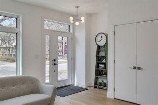 Photo 2: 10229 90 Street in Edmonton: Zone 13 House for sale : MLS®# E4153591