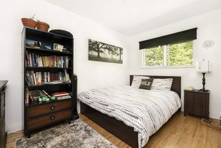 Photo 15: 956 HARTFORD Place in North Vancouver: Windsor Park NV House for sale : MLS®# R2369219
