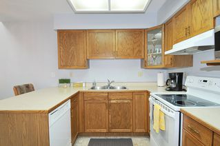 """Photo 7: 211 11578 225 Street in Maple Ridge: East Central Condo for sale in """"THE WILLOWS"""" : MLS®# R2372839"""