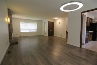 Photo 3: 11850 82 Avenue in Delta: Scottsdale House for sale (N. Delta)  : MLS®# R2379746