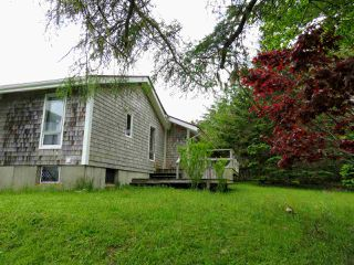 Photo 3: 1931 SHORE Road in Carleton Village: 407-Shelburne County Residential for sale (South Shore)  : MLS®# 201915322