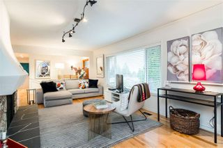 """Photo 2: 1009 WALALEE Drive in Delta: English Bluff House for sale in """"THE VILLAGE"""" (Tsawwassen)  : MLS®# R2436116"""