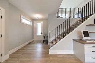 Photo 2: 24 Roberge Close: St. Albert House for sale : MLS®# E4198223
