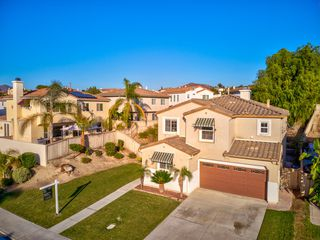 Photo 3: CHULA VISTA House for sale : 5 bedrooms : 1411 Yellowstone Ave