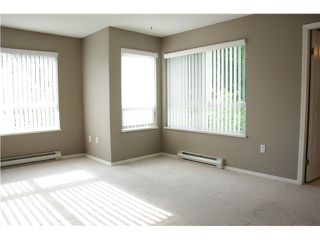 """Photo 7: 301 2439 WILSON Avenue in Port Coquitlam: Central Pt Coquitlam Condo for sale in """"AVEBURY POINT"""" : MLS®# V897147"""