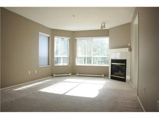 """Photo 4: 301 2439 WILSON Avenue in Port Coquitlam: Central Pt Coquitlam Condo for sale in """"AVEBURY POINT"""" : MLS®# V897147"""