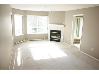 """Photo 5: 301 2439 WILSON Avenue in Port Coquitlam: Central Pt Coquitlam Condo for sale in """"AVEBURY POINT"""" : MLS®# V897147"""