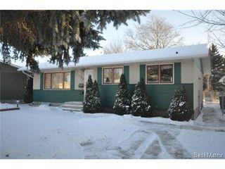 Main Photo: 153 Carleton Drive in Saskatoon: West College Park Single Family Dwelling for sale (Saskatoon Area 01)  : MLS®# 483460