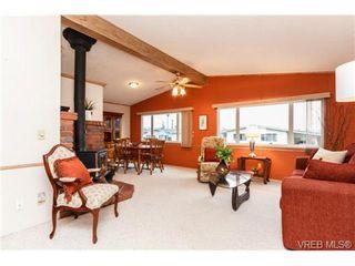 Photo 4: 123 7701 Central Saanich Rd in SAANICHTON: CS Saanichton Manufactured Home for sale (Central Saanich)  : MLS®# 687804