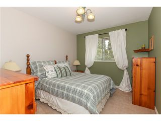 "Photo 14: 6156 PARKSIDE Court in Surrey: Panorama Ridge House for sale in ""BOUNDARY PARK"" : MLS®# F1434271"