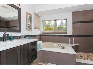 "Photo 12: 6156 PARKSIDE Court in Surrey: Panorama Ridge House for sale in ""BOUNDARY PARK"" : MLS®# F1434271"