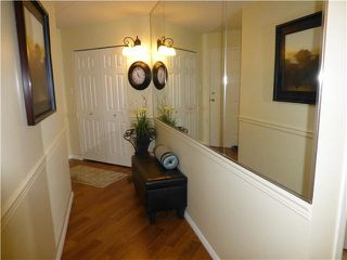 "Photo 3: 202 1378 FIR Street: White Rock Condo for sale in ""CHATSWORTH MANOR"" (South Surrey White Rock)  : MLS®# F1434479"