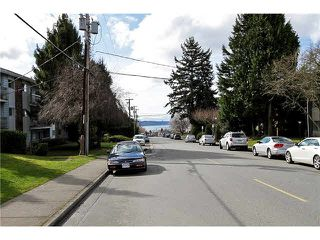 "Photo 19: 202 1378 FIR Street: White Rock Condo for sale in ""CHATSWORTH MANOR"" (South Surrey White Rock)  : MLS®# F1434479"