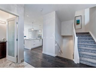 Photo 5: 2 413 17 Avenue NW in Calgary: Mount Pleasant House for sale : MLS®# C4006497