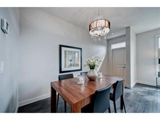 Photo 10: 2 413 17 Avenue NW in Calgary: Mount Pleasant House for sale : MLS®# C4006497