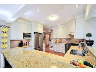 """Photo 11: 2476 124TH Street in Surrey: Crescent Bch Ocean Pk. House for sale in """"OCEAN PARK"""" (South Surrey White Rock)  : MLS®# F1448273"""
