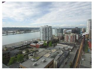 "Photo 1: 1506 39 SIXTH Street in New Westminster: Downtown NW Condo for sale in ""QUANTUM"" : MLS®# V1141675"