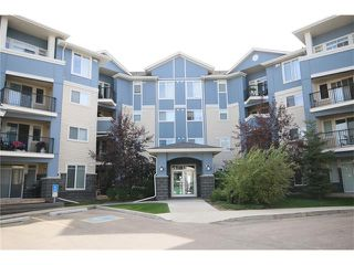 Photo 2: 206 120 COUNTRY VILLAGE Circle NE in Calgary: Country Hills Village Condo for sale : MLS®# C4043750