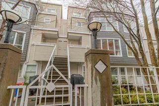 """Photo 3: 26 788 W 15TH Avenue in Vancouver: Fairview VW Townhouse for sale in """"SIXTEEN WILLOWS"""" (Vancouver West)  : MLS®# R2042871"""