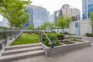 "Photo 7: 1501 1499 W PENDER Street in Vancouver: Coal Harbour Condo for sale in ""WEST PENDER PLACE"" (Vancouver West)  : MLS®# R2057520"