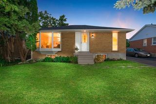 Photo 1: 322 Palmer Avenue in Richmond Hill: Harding House (Bungalow) for sale : MLS®# N3523506