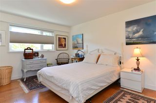 Photo 13: 1215 PARKER Street: White Rock House for sale (South Surrey White Rock)  : MLS®# R2097862