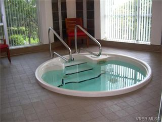 Photo 10: 401 100 Saghalie Rd in VICTORIA: VW Songhees Condo for sale (Victoria West)  : MLS®# 743289
