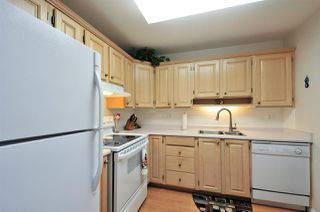 Photo 2: 503 1220 FIR Street: White Rock Condo for sale (South Surrey White Rock)  : MLS®# R2117258