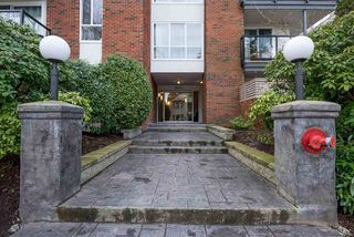 "Photo 17: 106 1640 W 11TH Avenue in Vancouver: Fairview VW Condo for sale in ""HERITAGE HOUSE"" (Vancouver West)  : MLS®# R2141324"