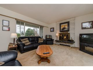 Photo 5: 9618 PAULA Crescent in Chilliwack: Chilliwack E Young-Yale House for sale : MLS®# R2145075