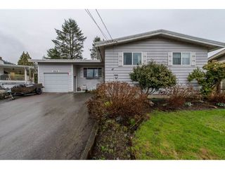 Photo 1: 9618 PAULA Crescent in Chilliwack: Chilliwack E Young-Yale House for sale : MLS®# R2145075
