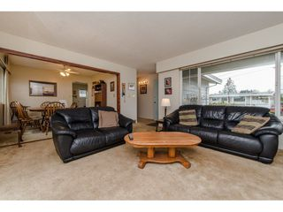 Photo 4: 9618 PAULA Crescent in Chilliwack: Chilliwack E Young-Yale House for sale : MLS®# R2145075