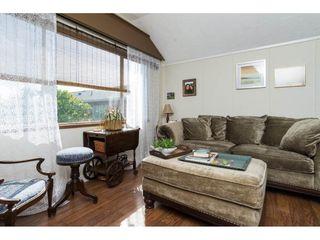 Photo 4: 15576 COLUMBIA Avenue: White Rock House for sale (South Surrey White Rock)  : MLS®# R2153012