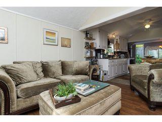 Photo 5: 15576 COLUMBIA Avenue: White Rock House for sale (South Surrey White Rock)  : MLS®# R2153012