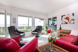 """Photo 2: 8651 SEAFAIR Drive in Richmond: Seafair House for sale in """"Seafair"""" : MLS®# R2160959"""