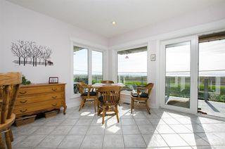 """Photo 4: 8651 SEAFAIR Drive in Richmond: Seafair House for sale in """"Seafair"""" : MLS®# R2160959"""