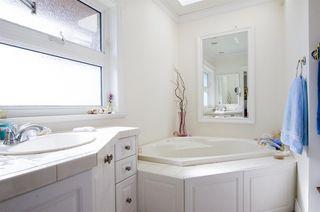 """Photo 13: 8651 SEAFAIR Drive in Richmond: Seafair House for sale in """"Seafair"""" : MLS®# R2160959"""