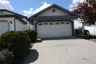 Photo 2: 789 APPLEWOOD Drive SE in Calgary: Applewood Park House for sale : MLS®# C4118387