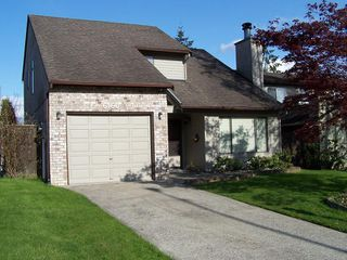 Photo 1: 6160 194TH Street in Cloverdale: Home for sale : MLS®# F2812278