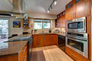 Photo 13: 6674 SUNSHINE COAST HIGHWAY in Sechelt: Sechelt District House for sale (Sunshine Coast)  : MLS®# R2153665