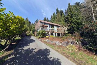 Photo 3: 6674 SUNSHINE COAST HIGHWAY in Sechelt: Sechelt District House for sale (Sunshine Coast)  : MLS®# R2153665