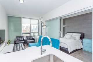 """Photo 2: 2105 1308 HORNBY Street in Vancouver: Downtown VW Condo for sale in """"SALT"""" (Vancouver West)  : MLS®# R2194080"""