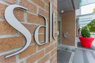 """Photo 1: 2105 1308 HORNBY Street in Vancouver: Downtown VW Condo for sale in """"SALT"""" (Vancouver West)  : MLS®# R2194080"""